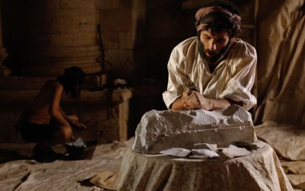Il giovane Michelangelo all'opera