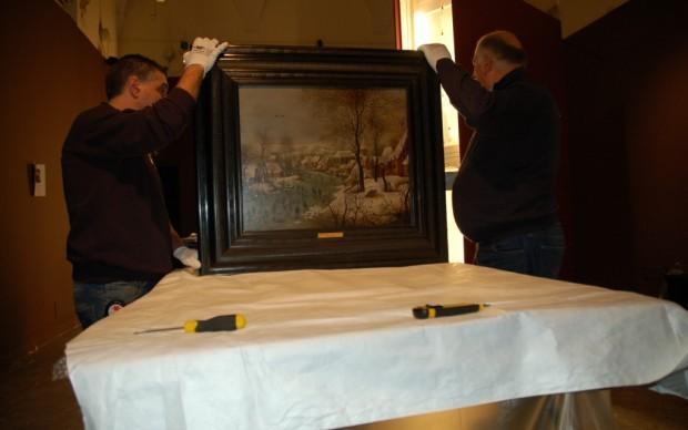 Brueghel in mostra a Roma - l'apertura delle casse
