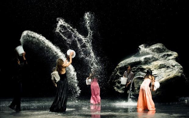 Danza con l'acqua