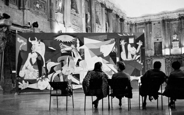Pablo Picasso, Guernica, esposizione a Palazzo Reale - Milano nel 1953