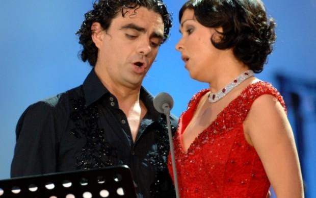Duetto tra Ricardo Villazòn e Anna Netrebko -  copyright DEAG Classics - Franz Schlechter