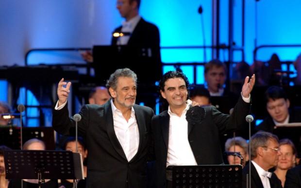 Placido Domingo con Ricardo Villazòn - copyright DEAG Classics - Franz Schlechter