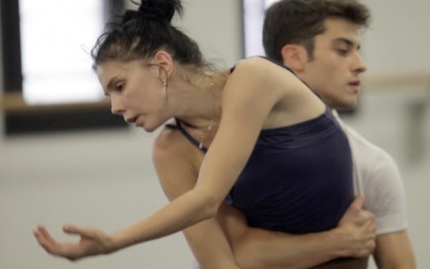 Le giovani star della danza internazionale, Claudio Coviello e Natalia Osipova, provano   le coreografie di MacMillan - photo Brescia-Amisano