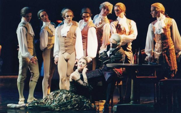 Teatro Marinskij, 2001: una giovanissima Svetlana Zacharova nei panni di Manon - photo N.I. Razina