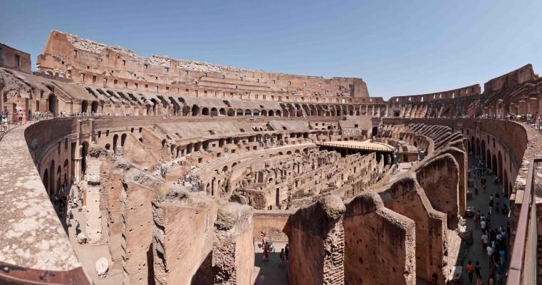 Colosseo Anfiteatro Flavio Roma interno