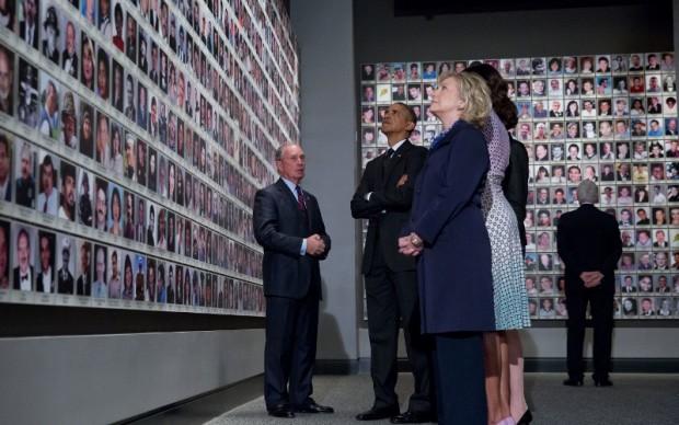 Barack e Michelle Obama, con Hillary Clinton, al 9/11 Memorial Museum