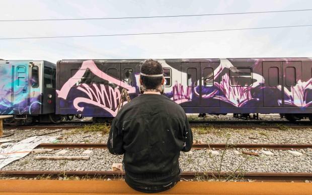 Popay al cospetto del treno Roma-Lido - foto Francesco Fioramonti