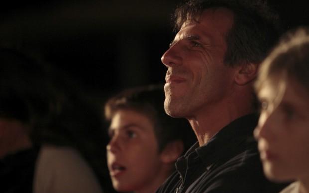 Gianfranco Zola tra il pubblico di Tavolara