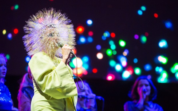 Björk al Berlin Festival - foto Stephan Flad