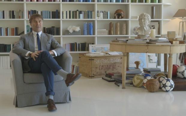 Brunello Cucinelli nel suo studio