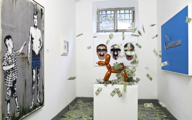 Il Ballon Dog di Jeff Koons esplode