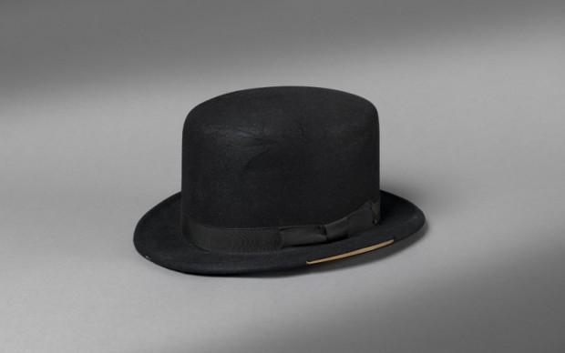 Il cappello di Oddjob in Goldfinger ©1964 Danjaq, LLC and United Artists Corporation
