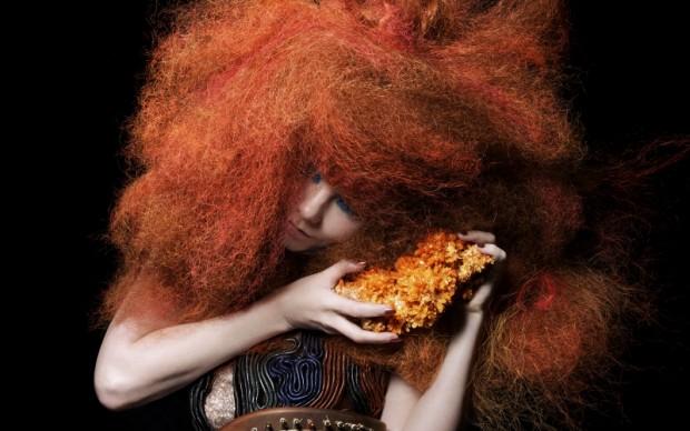 Björk in Biophilia (5)