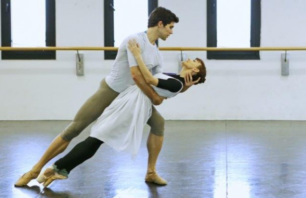 """Roberto Bolle e Maria Eichwald provano """"Lo schiaccianoci"""" - photo Brescia-Amisano, Teatro alla Scala"""