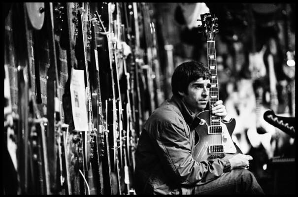 Noel Gallagher in the guitar shop
