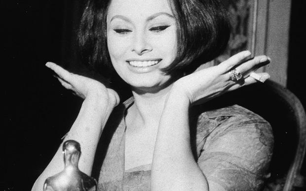 Sophia Loren vince l'Oscar come migliore attrice per La Ciociara, 1962