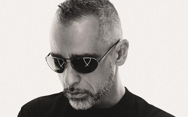 Eros Rammazzotti. Foto di Giovanni Gastel © Rolling Stone 2015