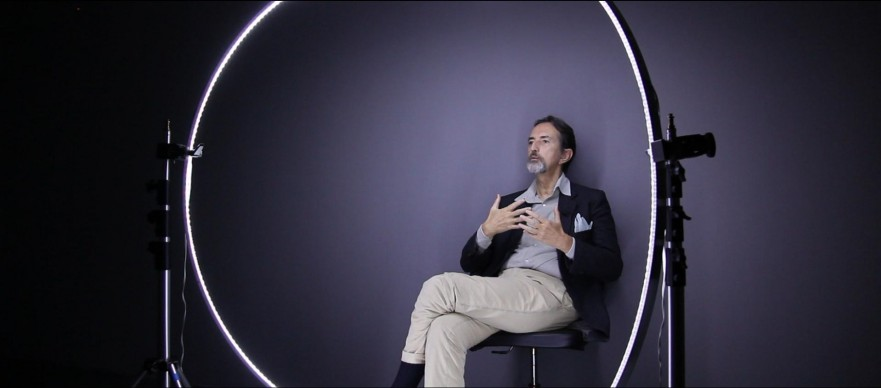 Giovanni Gastel sul set fotografico del progetto 'Le 100 facce della musica italiana'