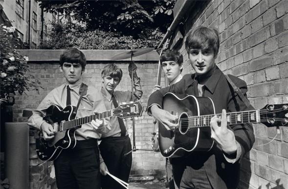 Terry O'Neill, I Beatles negli Abbey Road Studios mentre registrano il loro primo album Please Please Me, 1963