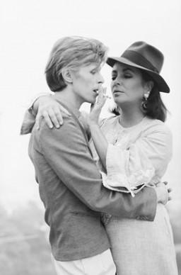 Terry O'Neill, David Bowie ed Elizabeth Taylor