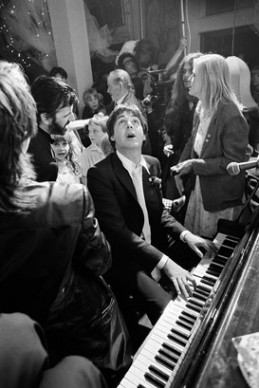 Terry O'Neill, Paul McCartney alle nozze di Ringo Starr, 1981