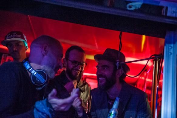 Alessio Bertallot con Dino Vannini e Stefano Seletti, dj set durante Souvenir di Milano 2015. Piazza Affari, Milano, aprile 2015