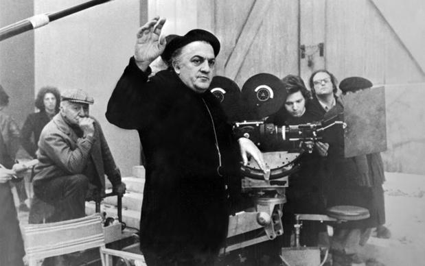 Federico Fellini sul set di Amarcord