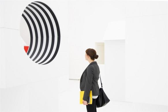 Daniel Buren, installazione site-specific Come un gioco per bambini, Museo Madre, Napoli, aprile 2015