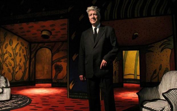 David Lynch presso una mostra australiana incentrata sulla sua produzione pittorica