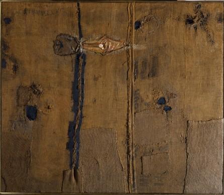 Alberto Burri, Abstraction with Brown Burlap (Sacco), 1953. Olio e vernici con applicazioni in seta su juta, cm 100 x 86,4. GAM – Galleria Civica d'Arte Moderna e Contemporanea, Torino