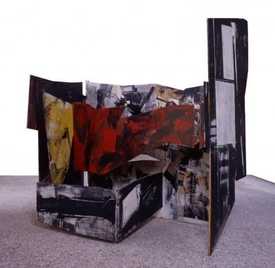 Emilio Vedova, Assurdo - diario di Berlino, 1964. Olio su legno, collage, cerniere di ferro, cm 233x237x173. Venezia, Galleria Internazionale d'Arte Moderna di Ca' Pesaro