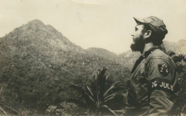 Alberto Korda Fidel guarda orizzonte
