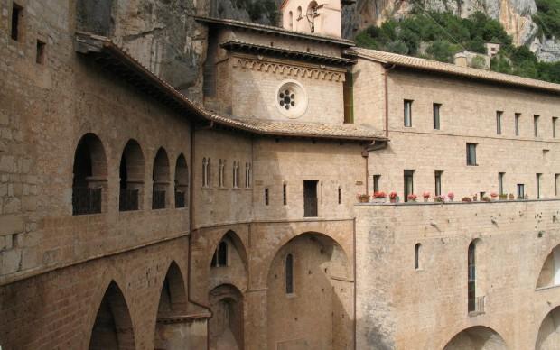 Monastero di San Benedetto a Subiaco fonte flickr.com-photos-gengish