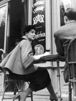 Fotografia apparsa su Housewife Magazine, 1954. Credits: Housewife/Getty Images