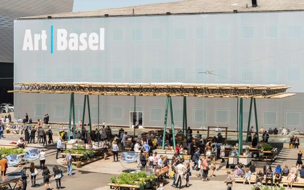 Basilea, Art Basel 2015 | DO WE DREAM UNDER THE SAME SKY | Courtesy Rirkrit Tiravanija Nikolaus Hirsch Michel Mueller e Antto Melasniemi