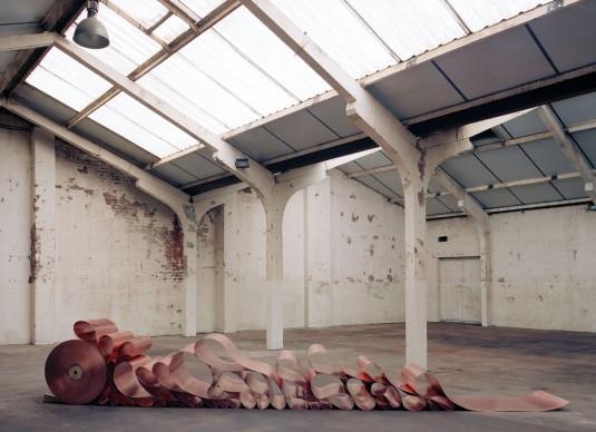 Damián Ortega, Being II, 2007, dimensioni variabili. Foto: Stuart Whipps, Courtesy l'artista e kurimanzutto, Mexico City