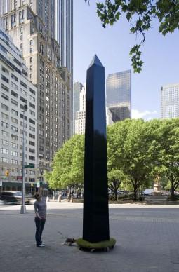 Damián Ortega, Obelisco transportable /Transportable Obelisk, 2004, 600 x 60 x 60 cm. Courtesy l'artista e kurimanzutto, Mexico City
