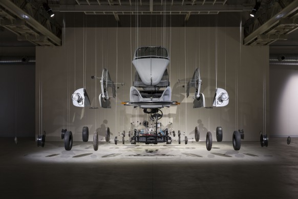 Damián Ortega, Cosmic Thing, 2002. Foto Agostino Osio. Courtesy Fondazione HangarBicocca, Milano