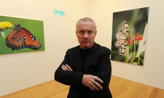 Damien Hirst presenta la sua prima mostra personale a Hong Kong intitolata Forgotten Promises, nel 2011. Credits: MIKE CLARKE/AFP/Getty Images