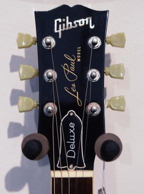 La paletta di una Gibson Les Paul Deluxe Goldtop. Il modello Deluxe viene messo in produzione negli anni Settanta, ma la versione più famosa riprende nel top lo stesso oro scelto da Les Paul per la GoldTop.