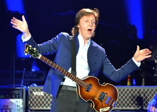 Un'esibizione recentissima di Paul McCartney alla O2 Arena di Londra, proprio nel 2015. Foto: Jim Dyson/Getty Images