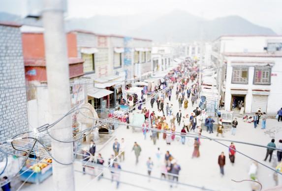 Lhasa, 2000. Da 'Virtual Truths 2001' © Olivo Barbieri