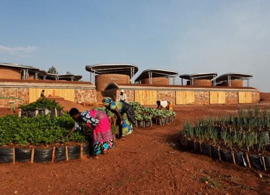 Sharon Davis Design,  Women's Opportunity Center, Kayonza, Ruanda, 2013. Foto: Elizabeth Felicella
