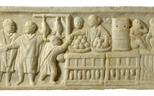 Bassorilievo in marmo con pollivendola - prima metà III sec. d.C.
