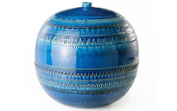Bitossi-Ceramiche-Aldo-Londi,--vaso-palla-serie-_Rimini-Blu_,-1957-59--Terra-bianca,-incisioni-a-stampino