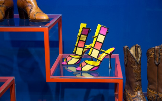 Installation_view_of_Shoes_Pleasure_and_Pain_June_2015_-_31_January_2016_c_Victoria_and_Albert_Museum_London