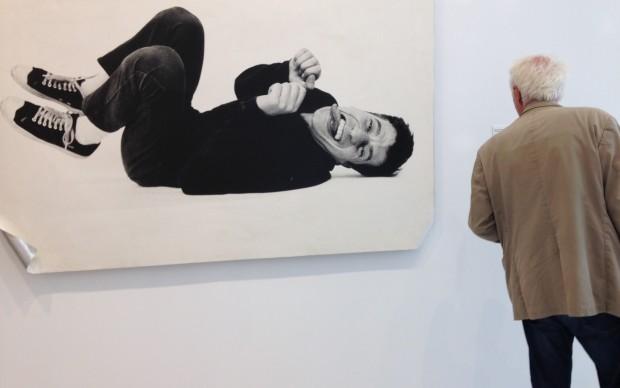 Liberi-tutti-Arte-e-società-in-Italia.-1989-2001-Museo-Ettore-Fico-Torino-Maurizio-Cattelan