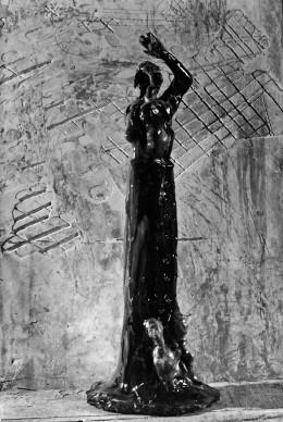 Fausto Melotti, La Follia, 1948,  foto pubblicata su Domus n° 230, maggio 1948, Photo: Domus Archives © Editoriale Domus S.p.A. Rozzano