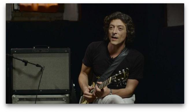 Il chitarrista Federico Poggipollini
