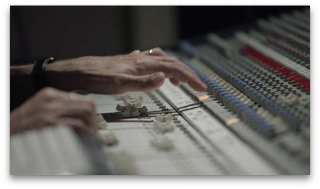 Il mixer in studio di registrazione
